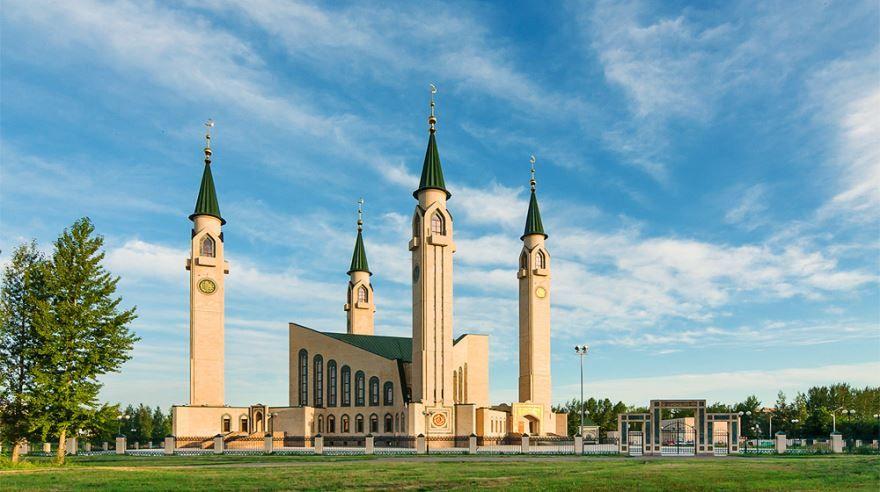 Смотреть красивое фото достопримечательности города Нижнекамска в хорошем качестве