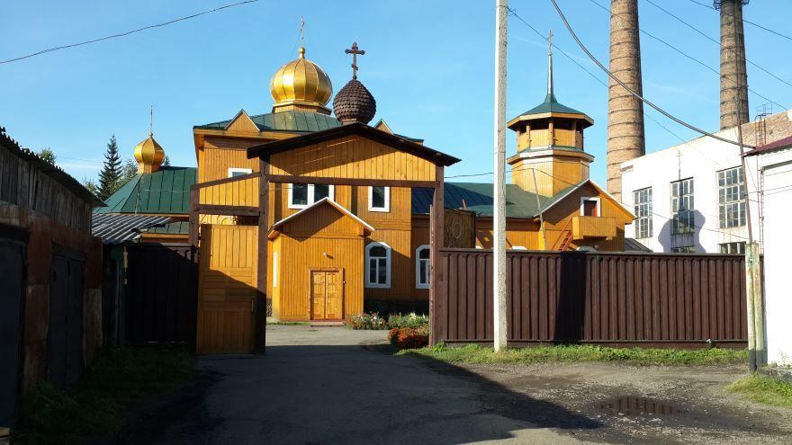 Смотреть красивое фото Никольский храм город Нижнеудинск в хорошем качестве