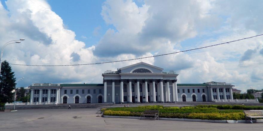 Дворец культуры имени Окунева город Нижний Тагил