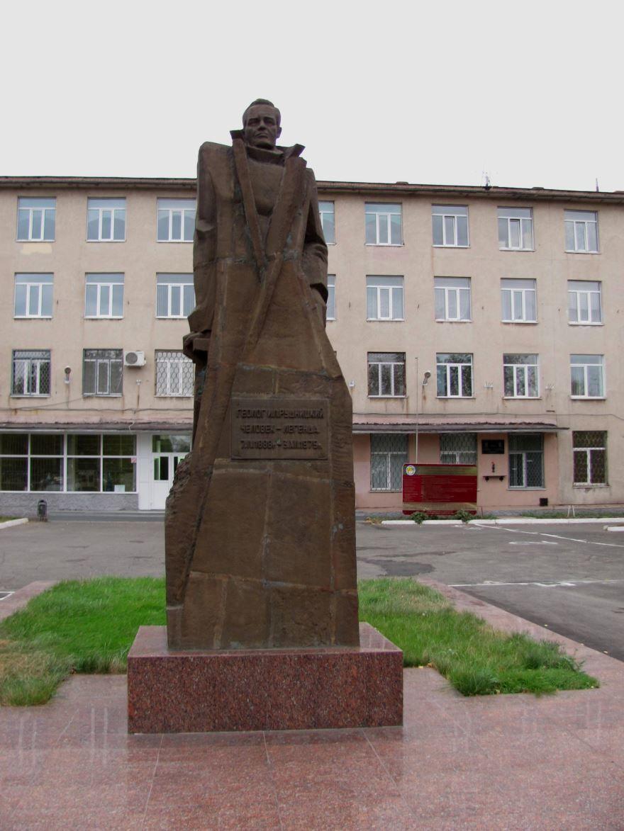 Памятник И.Л. Рудницкому город Новотроицк