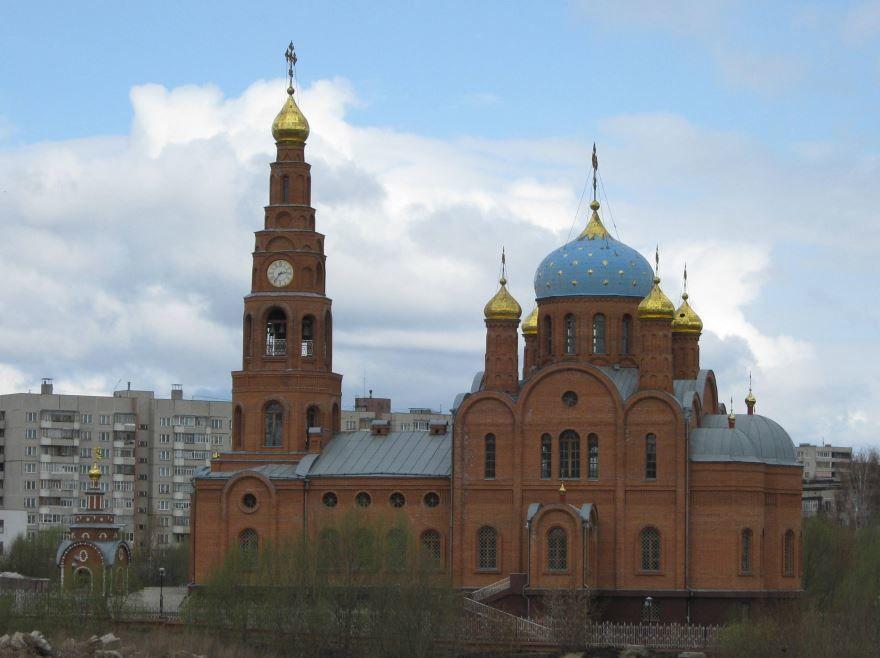 Смотреть красивое фото храм в городе Новочебоксарск