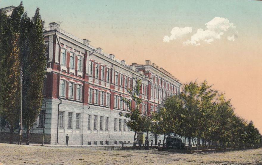 Здание училища город Новочеркасск