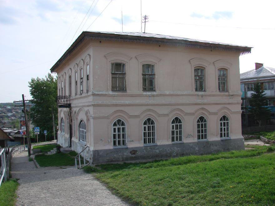 Здание волостного правления город Нязепетровск