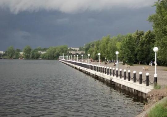 Смотреть лучшее фото города Омутнинска Набережная города