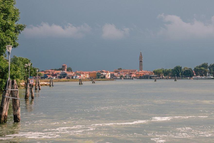 Смотреть красивое фото вид на город Остров 2019 в хорошем качестве