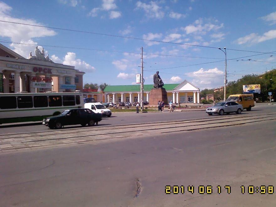 Памятник Т.Г. Шевченко город Орск
