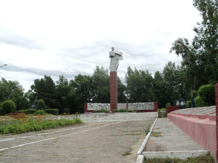 Памятник погибшим на фронте город Партизанск