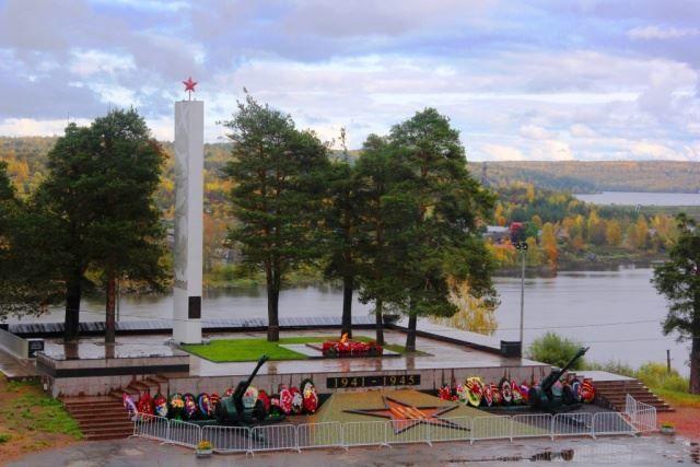 Мемориал Братское кладбище город Подпорожье