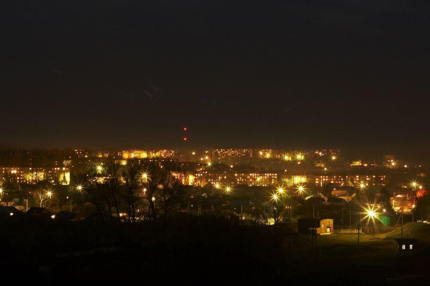 Смотреть красивое фото ночного города Плавск