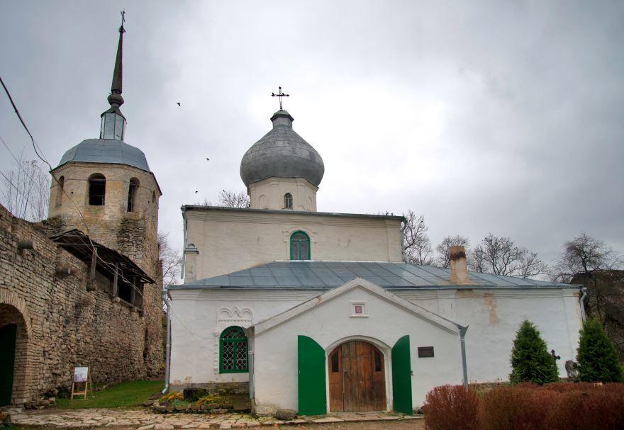 Никольская церковь с колокольней город Порхов