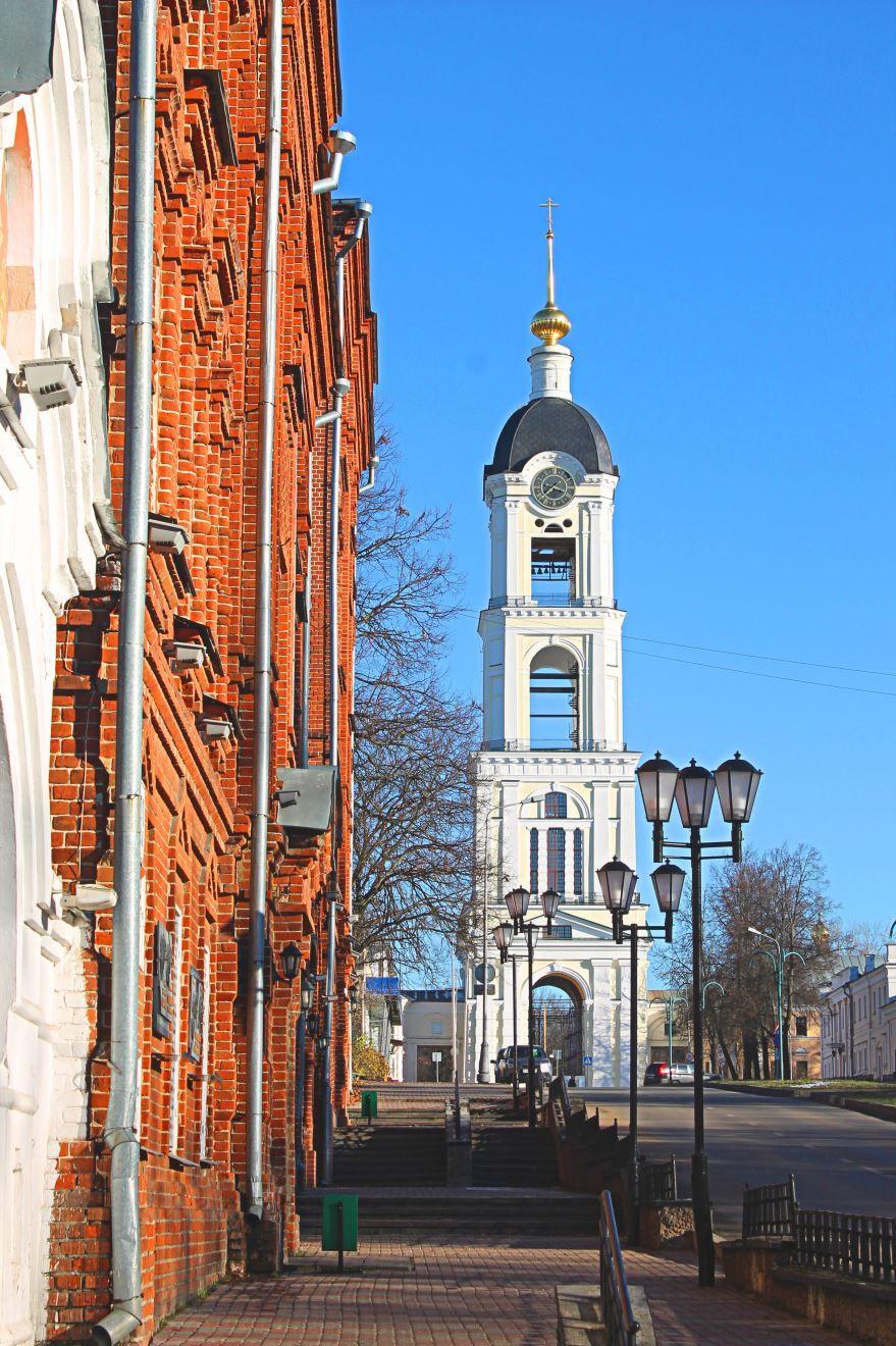 Скачать онлайн бесплатно лучшее фото достопримечательность города Сарова в хорошем качестве