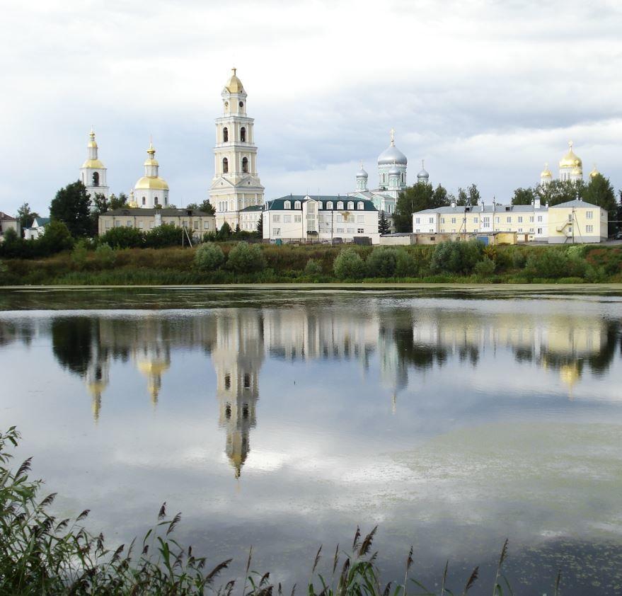 Скачать онлайн бесплатно лучшее фото вид на Серафимо-дивеевский монастырь город Саров в хорошем качестве