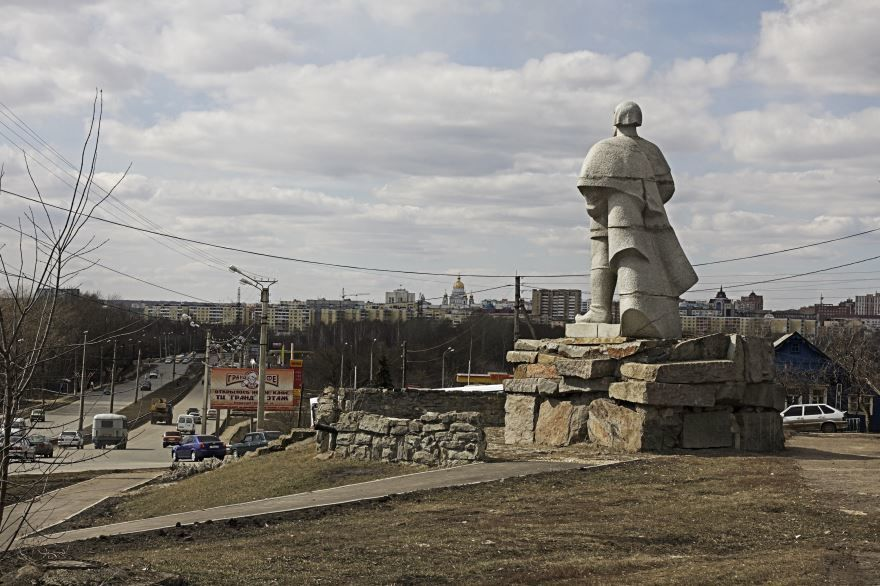 Памятник Е. Пугачеву город Саранск