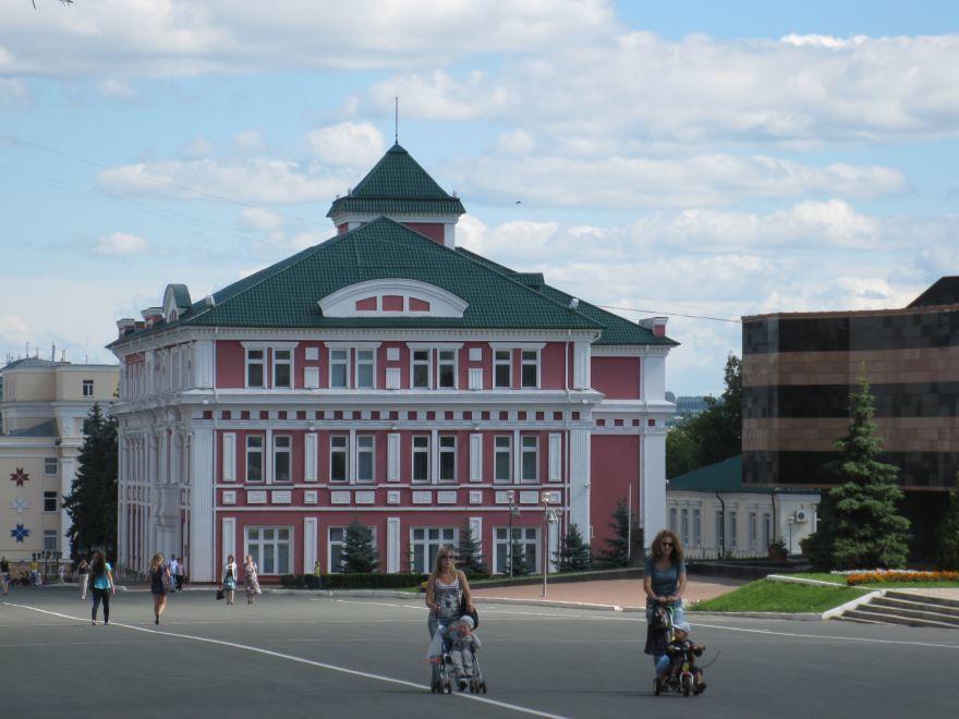 Смотреть красивое фото улица города Саранск в хорошем качестве