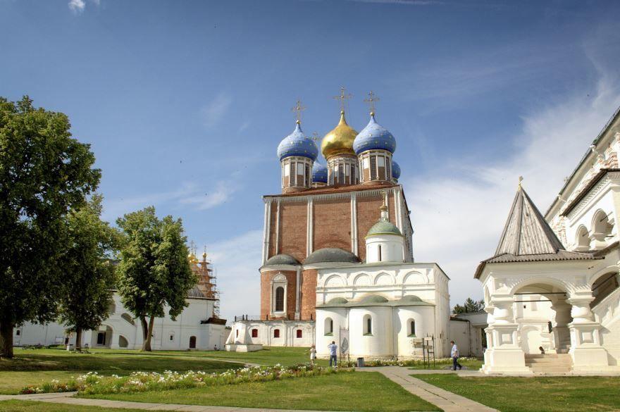 Смотреть красивое фото Рязанский Кремль в хорошем качестве