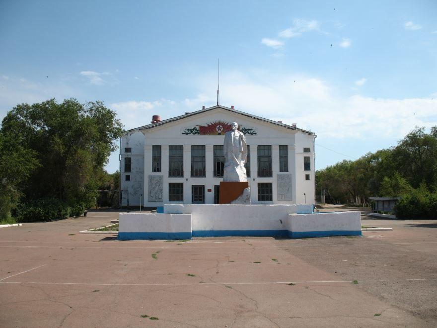 Площадь города Приозерск 2019