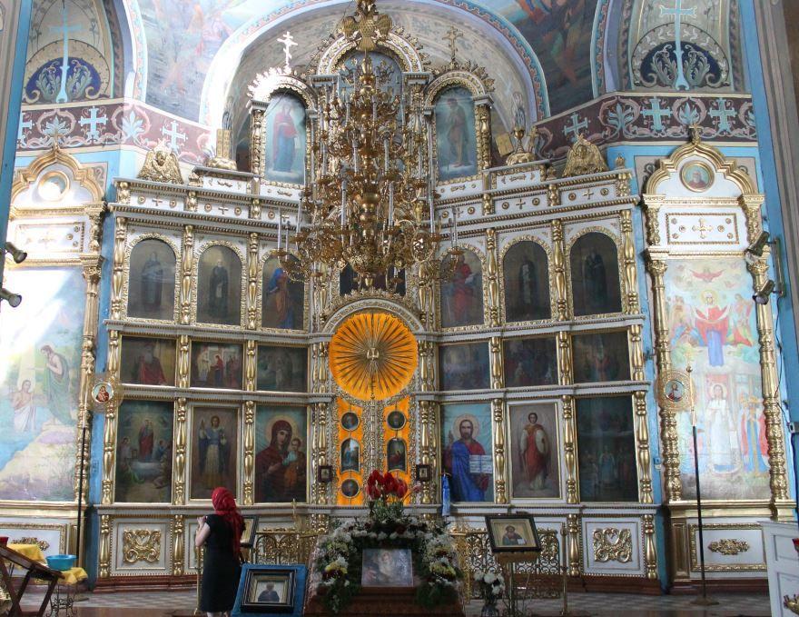 Покровский храм Главный иконостас город Рыльск