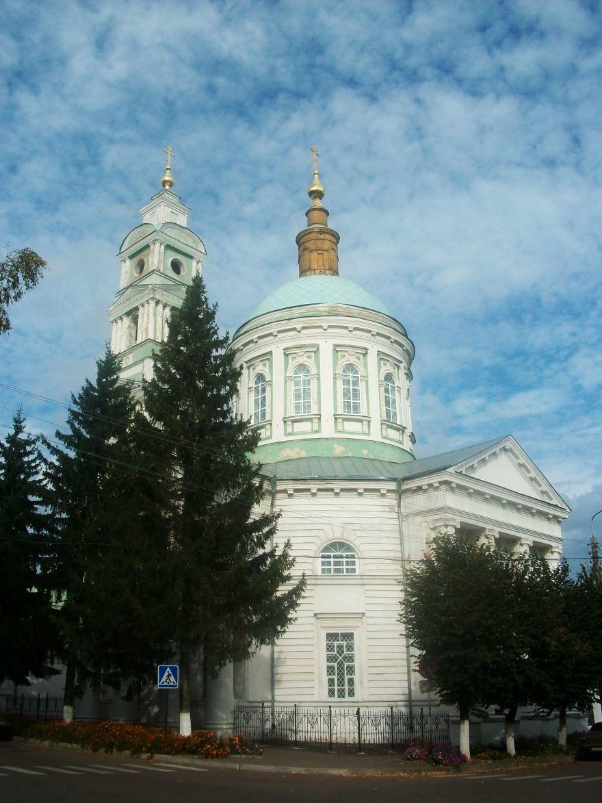 Смотреть красивое фото Покровский собор город Рыльск