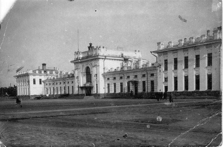 Смотреть лучшее старинное фото города Рыбинска в хорошем качестве