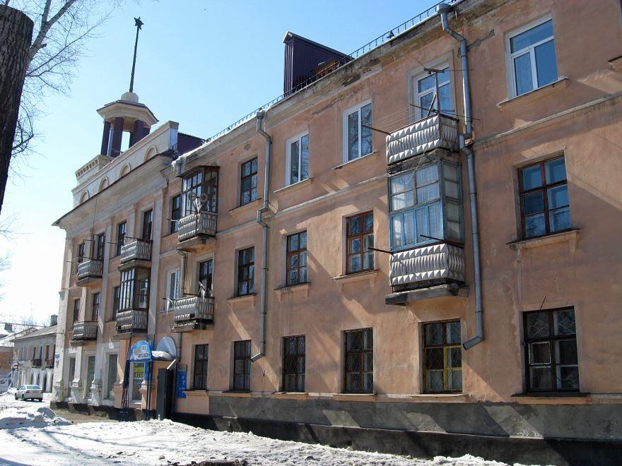 Смотреть красивое фото дом со шпилем город Рубцовск