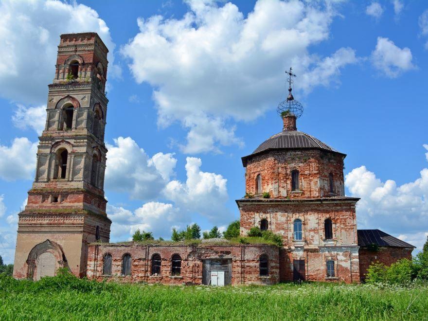 Скачать онлайн бесплатно лучшее фото достопримечательности города Пушкино в хорошем качестве