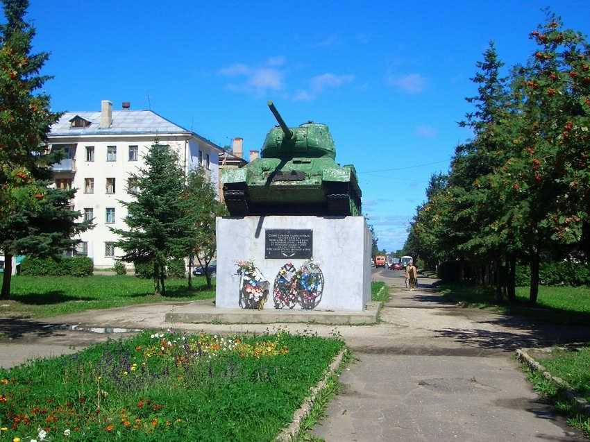 Скачать онлайн бесплатно лучшее фото достопримечательности города Ржев памятник танк в хорошем качестве