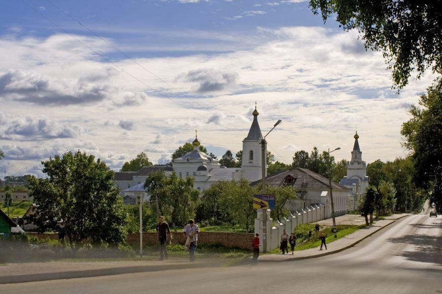 Скачать онлайн бесплатно лучшее фото достопримечательности города Рославль в хорошем качестве