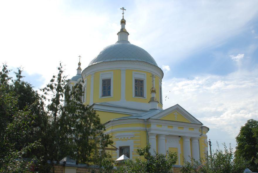 Крестовоздвиженская церковь город Севск