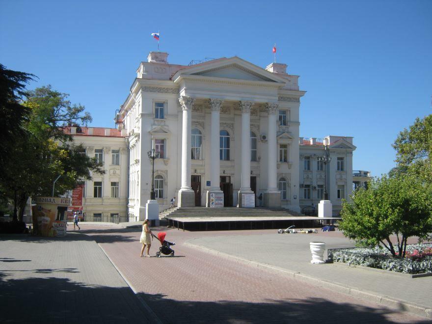 Дворец детства и юности город Севастополь