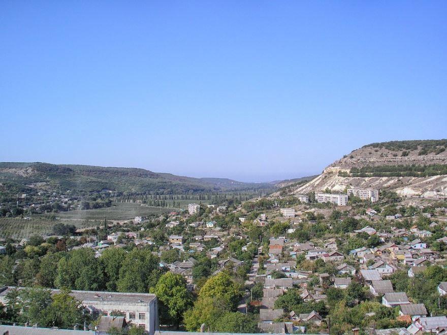 Скачать онлайн бесплатно лучшее фото вид сверху города Севастополь в хорошем качестве