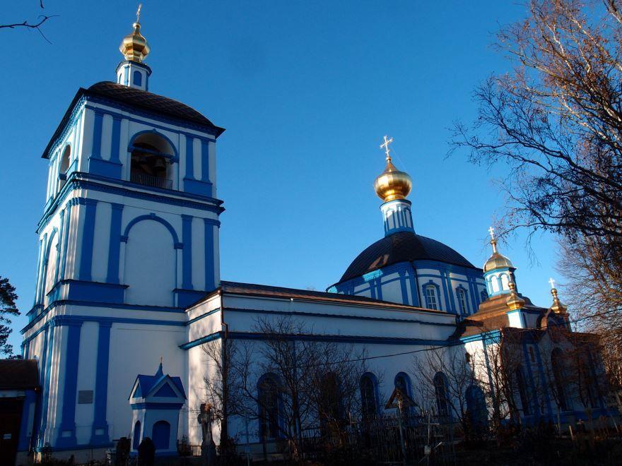 Церковь Успения Пресвятой Богородицы село Обухово рядом с городом Солнечногорск