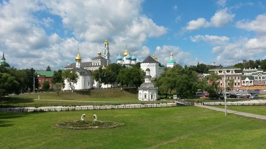 Скачать онлайн бесплатно лучшее фото красивый вид города Сергиев Посад в хорошем качестве