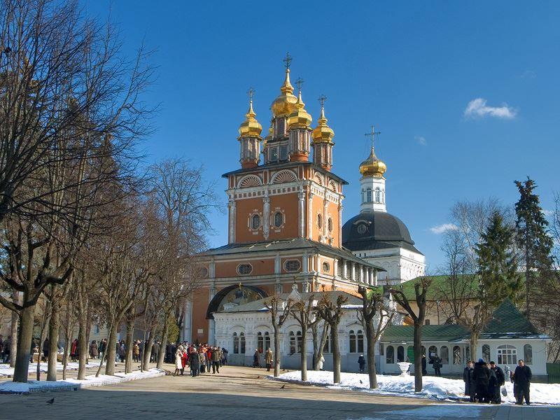 Троице-Сергиева лавра Церковь Рождества Иоанна Предтечи надвратная город Сергиев Посад