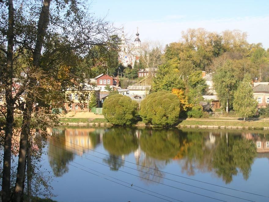 Смотреть красивое фото вид со стороны реки город Сергиев Посад
