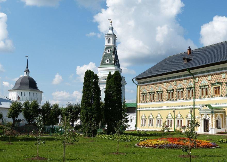 Смотреть лучшее фото красивый вид города Сергиев Посад в хорошем качестве