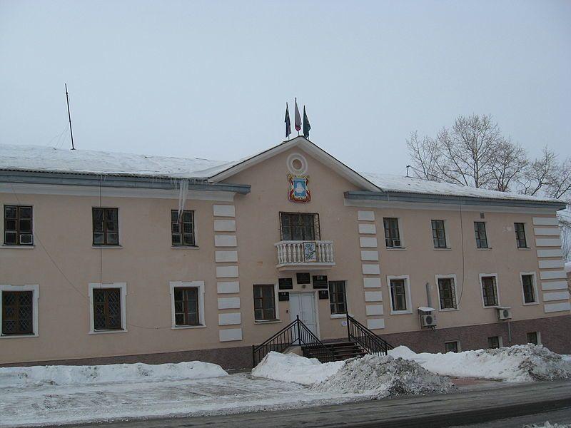Здание администрации города Советская Гавань