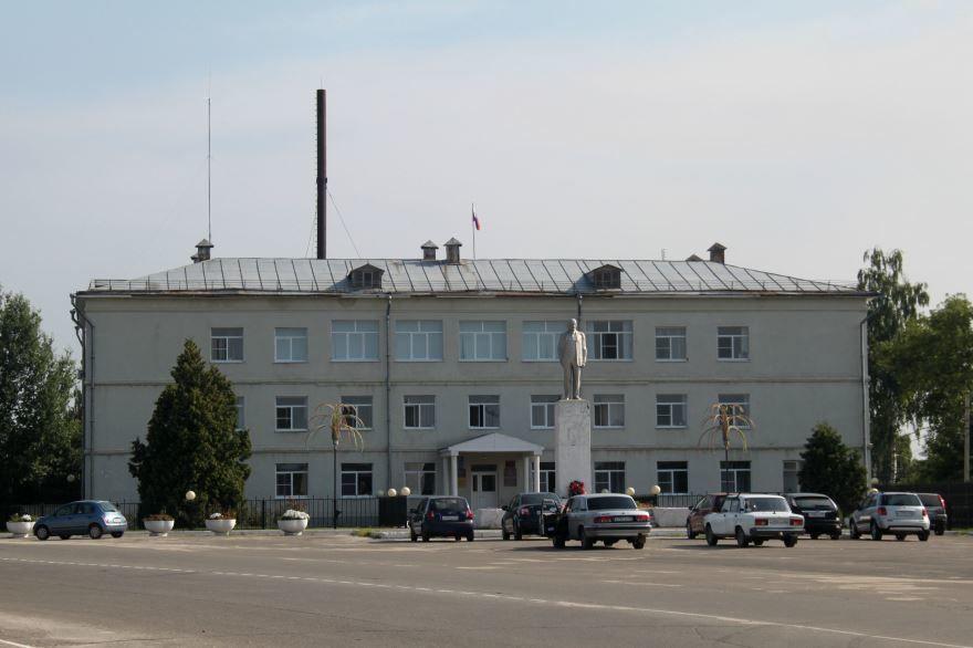 Смотреть красивое фото здание администрации Клепиковского района и города Спас Клепики