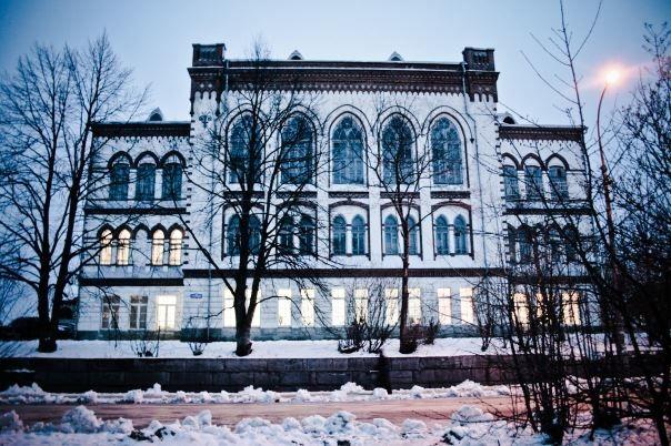 Бывшая женская гимназия город Сортавала