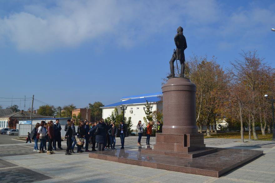 Скачать онлайн бесплатно лучшее фото достопримечательности города Славянск на Кубани в хорошем качестве