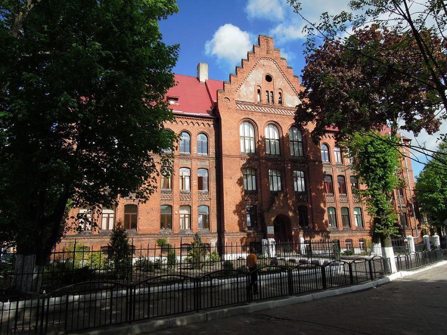 Здание гимназии город Советск