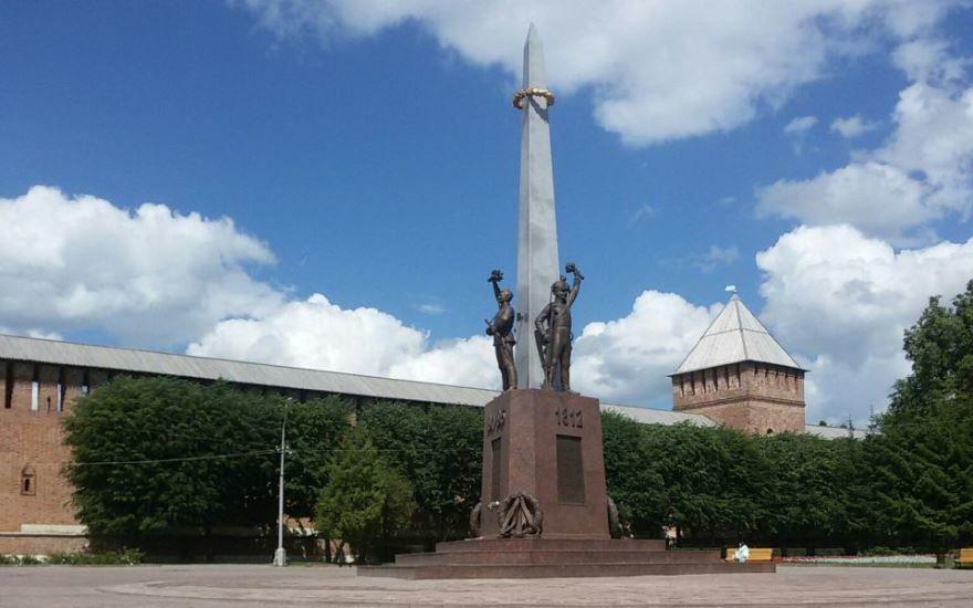 Скачать онлайн бесплатно лучшее фото достопримечательности города Смоленска в хорошем качестве