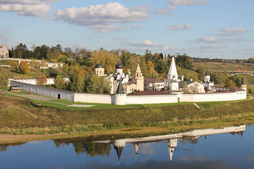 Ансамбль Старицкого Успенского монастыря город Старица