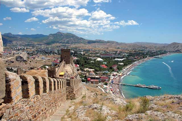 Скачать онлайн бесплатно лучшее фото Генуэзская крепость город Судак в хорошем качестве