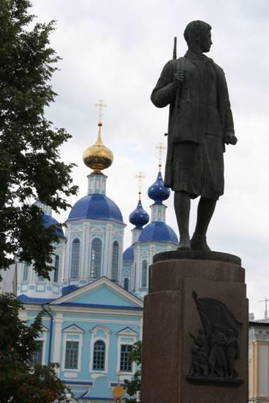 Памятник Зое Космодемьянской город Тамбов