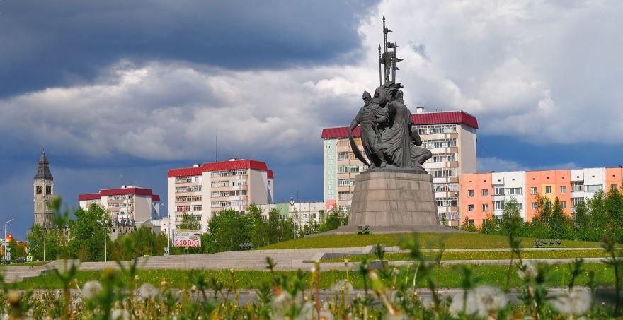 Скачать онлайн бесплатно лучшее фото достопримечательности города Сургут в хорошем качестве
