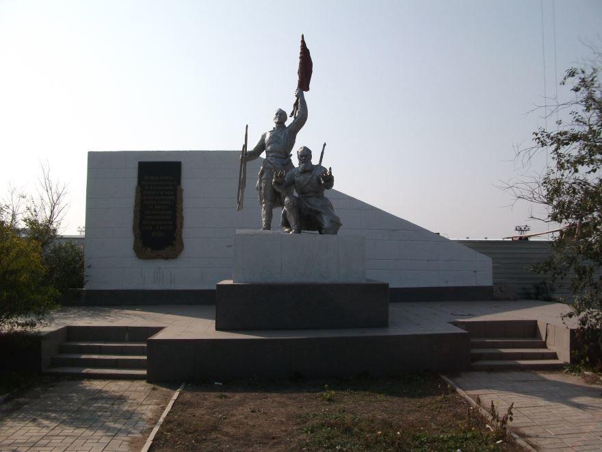 Братская могила красногвардейцам и партизанам город Улан-Удэ