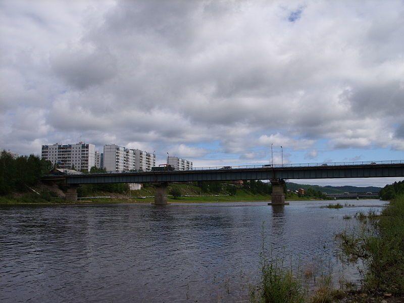 Смотреть лучшее фото города Тында вид города с реки