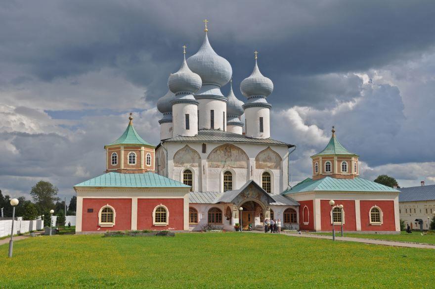 Ансамбль Большого Успенского Тихвинского монастыря