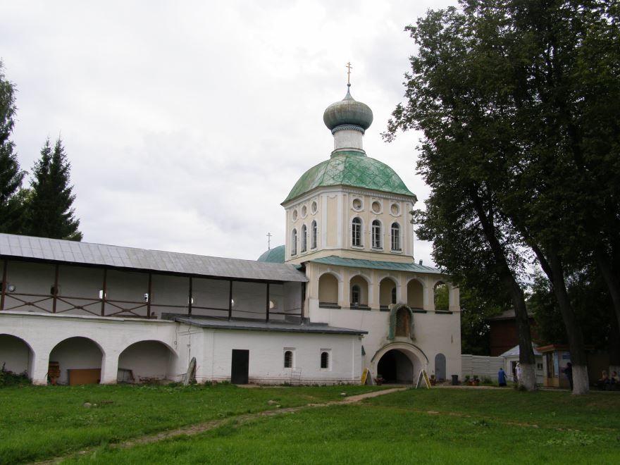 Введенский женский монастырь город Тихвин