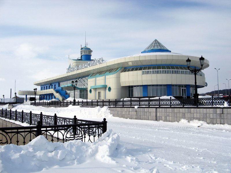Речной порт и автовокзал город Ханты-Мансийск